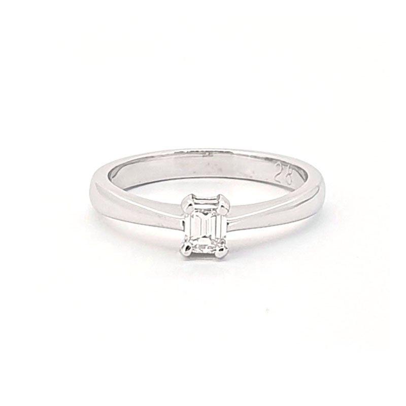 0.28ct Platinium Emerald Cut Diamond Ring £2295.00