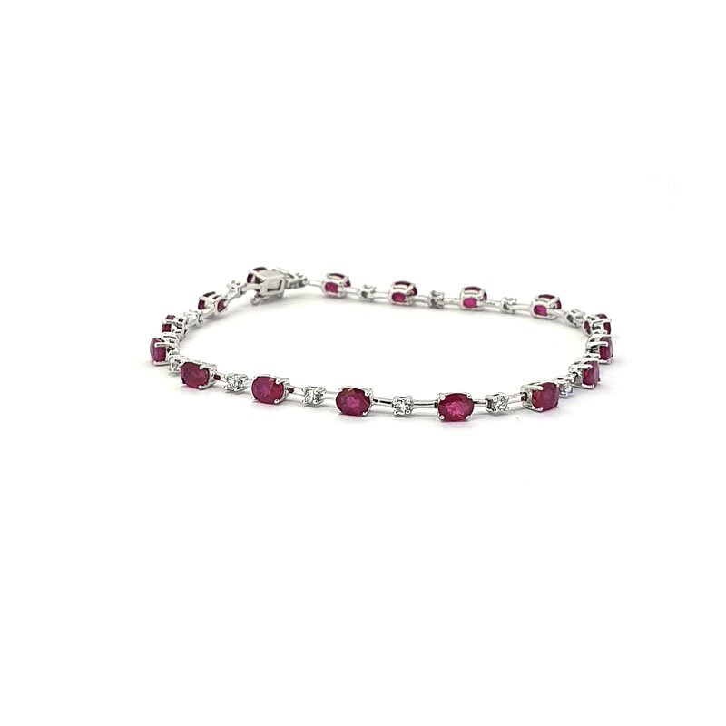 18ct White Gold Ruby & Diamond Bracelet £3000.00