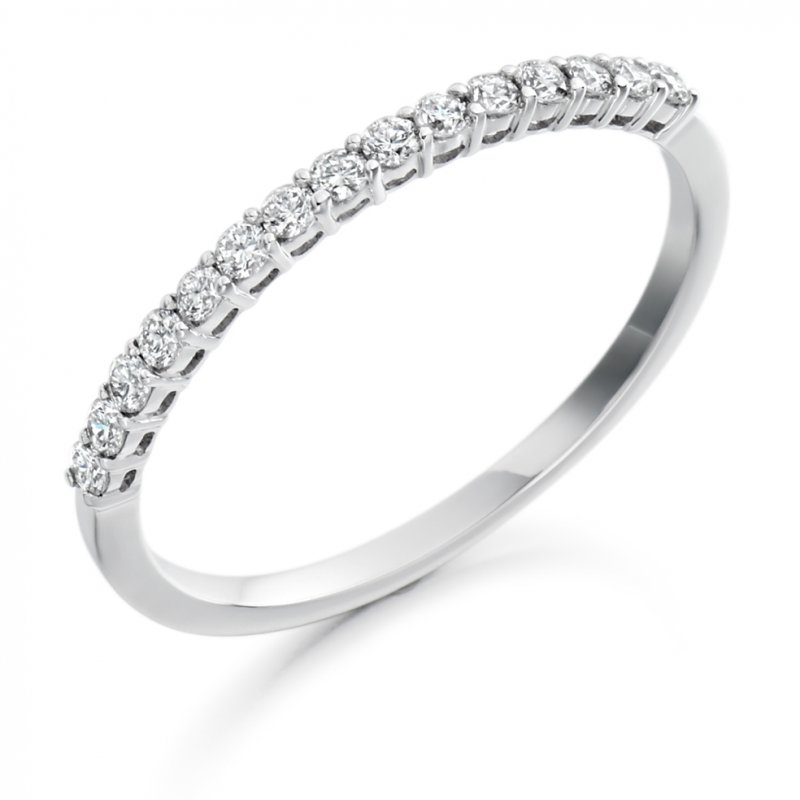 0.25ct Shared Claw Diamond Band