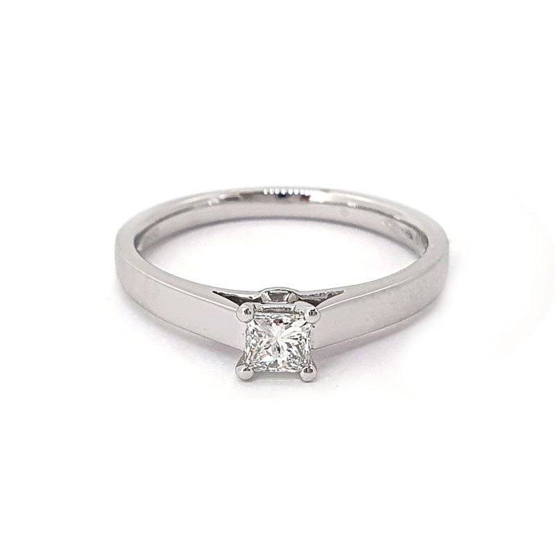 0.37ct Platinium Princess Diamond Ring £2265.00