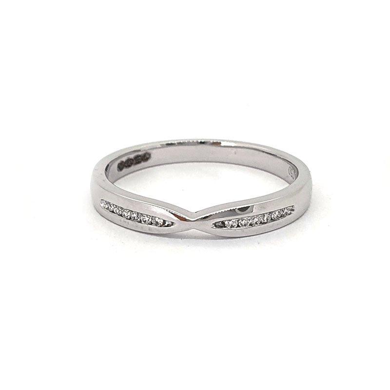 0.06ct Platinium Fishtail Diamond Ring £660.00