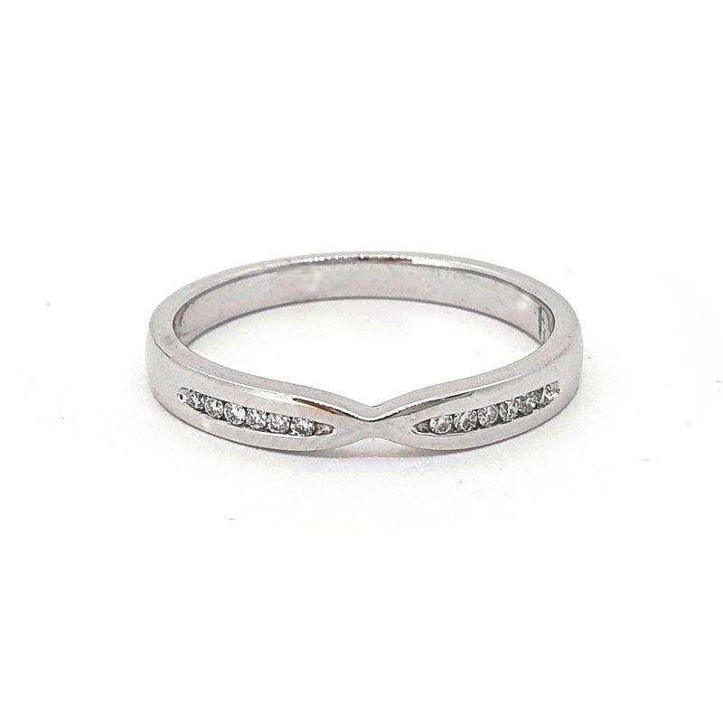 0.06ct 18ct White Gold Fishtail Diamond Ring £450.00