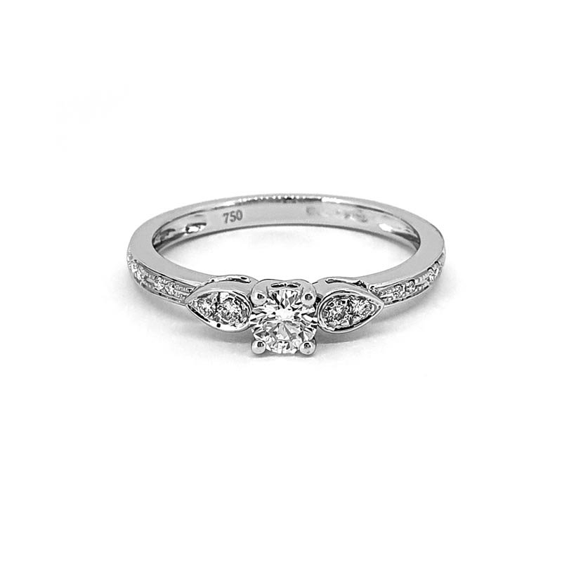 18ct White Gold Diamond Ring £1350.00
